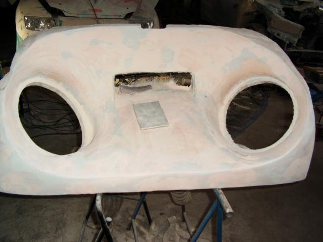 Realisation sur mesure d 39 interieur ou de coffre en fibre for Interieur tuning shop