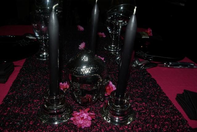 Centre de table zen chic en rose et noir les 2 mains gauches for Deco de table noir et rose