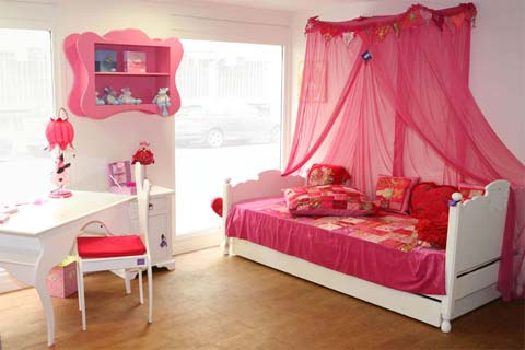 chambre d 39 enfant romantique et douce. Black Bedroom Furniture Sets. Home Design Ideas