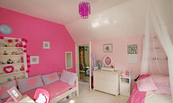 Chambre d 39 enfant romantique et douce - Tapisserie pour chambre ado fille ...