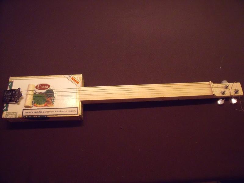 guitare a 3 cordes